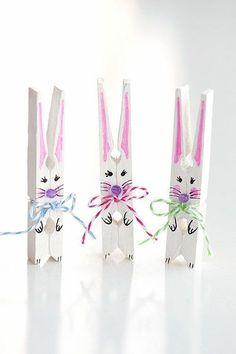 How to Make Clothespin Bunnies - Basteln Wäscheklammern - amazing craft Easter Crafts To Make, Easter Crafts For Adults, Arts And Crafts For Teens, Spring Crafts For Kids, Bunny Crafts, Easter Crafts For Kids, Toddler Crafts, Crafts To Do, Holiday Crafts