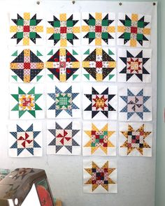 Free Sampler quilt tutorial from Amy Smart - Diary of a Quilter - featuring the the Meet the Maker quilt block patterns from Riley Blake Designs. Quilt Square Patterns, Easy Quilt Patterns, Hexagon Quilt, Square Quilt, Star Patterns, Stitch Patterns, Quilting For Beginners, Quilting Tutorials, Quilting Projects