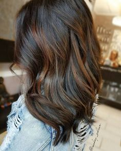 60 Chocolate Brown Hair Color Ideas For Brunettes - Best F 60 schokoladenbraune Haarfarbe Ideen für Brunettes – Beste Frisuren Haarschnitte 60 chocolate brown hair color ideas for brunettes color - Hair Color Auburn, Hair Color Highlights, Hair Color Balayage, Brown Hair Colors, Subtle Highlights, Brown Hair Auburn Highlights, Auburn Hair, Balayage Highlights, Chocolate Brown Highlights