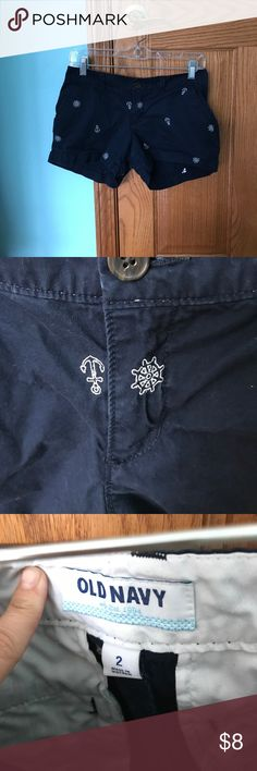 Old Navy Anchor and Boat Wheel Shorts Lightly worn and in good condition Old Navy Shorts. White anchors and Boat wheels cover this short! Super adorable Old Navy Shorts