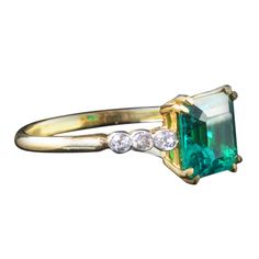 2ct. Princess-Cut Columbian Emerald Ring in 14k Gold with White Diamond Accents. ♥