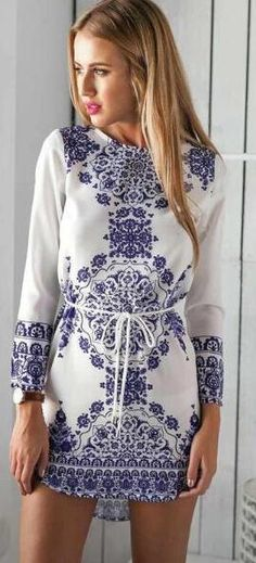 This Blue and White Porcelain Long Sleeve Dress will be the best fitting you have ever worn. So lovely and sweet. Only $19.99 ,Free Shipping now !! More heated pieces at Romoti.com