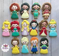 Cookies For Kids, Fancy Cookies, Iced Cookies, Cute Cookies, Royal Icing Cookies, Cupcake Cookies, Sugar Cookies, Disney Princess Cookies, Disney Princess Birthday
