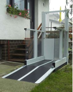 The Liftboy 5 lift is built to carry a wheelchair and passenger safely up and down levels with up to 1300mm difference in height. The lift has a modern design with glass inserts in the sidewalls and upper gate. As an option to the automatic folding ramp the Liftboy 5 can also be equipped with a platform gate.