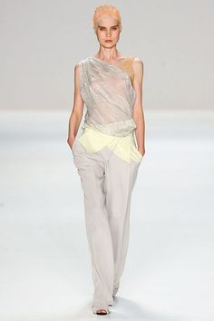 Narciso Rodriguez »  Spring 2012 RTW » This is stunning.