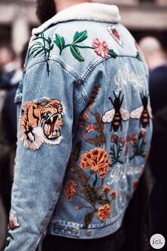 jacket and jeans image *Denim Outfits* Perfectly ripped, distressed denim on denim trendy gorgeousness Denim Jacket Patches, Patch Jeans, Denim Jackets, Patch Jean Jacket, Jacket Jeans, Jean Jackets With Patches, Jeans Pants, Jean Rapiécé, Jean Jackets