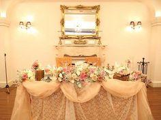 ✩ **party repo.6** 高砂はチュールやレースを贅沢に使用この厚みがたまらない❤️ 後ろにはフライングタイガーのフレームに名前とミッキーミニーを入れたのを置きました ブックやキャンドル、アンティーク小物を沢山置いてもらって可愛い高砂になりました * * #takasago#高砂#pink#antique#wedding#bigday#junebride#卒花#卒花嫁レポ#プレ花嫁卒業#結婚式レポ#weddingram#carariswedding