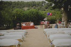 La boda de Mireia y Jordi. Se casaron en la finca de l'Avellana, Mas d'en Cabré de Tarragona, es un lugar precioso y lleno de encanto. Cuidaron muy bien todos los detalles, simbolizando sus vidas y vivencias, fue una boda entrañable. Del catering se encargó Cal Blay