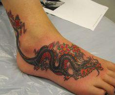 Beauty and Popular Foot Tattoos For Women foot tattoos for women; foot tattoos for girls; foot tattoos for women; foot tattoos for girls; foot tattoos for moms; foot tattoos for best friends Tattoo Henna, Tattoo On, Body Art Tattoos, Sleeve Tattoos, Tattoo 2017, Tattoos On Foot, Small Tattoos, Anklet Tattoos, Arm Tattoos