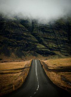 woodendreams:  Iceland (by Daniel Bosma)