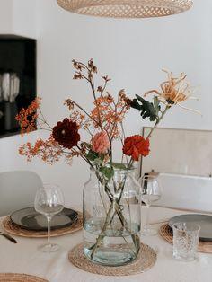 Diary week 38: een productieve week & op zoek naar een designer stoel - Last Days of Spring Nars, Glass Vase, Spring, Inspiration, Flowers, Decor Ideas, Home Decor, Room, Deco
