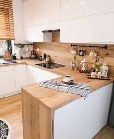 49 Cool Small Kitchen Design With Island Kitchen Room Design, Modern Kitchen Design, Home Decor Kitchen, Interior Design Kitchen, New Kitchen, Home Kitchens, Kitchen Dining, Wooden Kitchen, Budget Home Decorating
