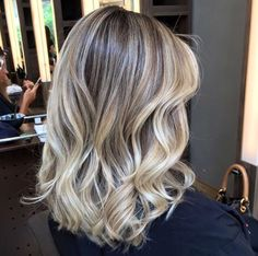 Medium Blonde Hairstyle - 40 Beautiful Blonde Balayage Looks - The Trending Hairstyle Hair Color Balayage, Blonde Balayage, Hair Color 2017, Langer Bob, Brown Blonde Hair, Super Hair, How To Make Hair, Hair Videos, Gorgeous Hair