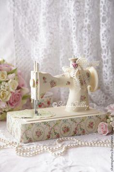 """Купить Швейная машинка - """"Vanilla"""". Винтаж. - винтаж, швейная машинка, детская швейная машинка"""