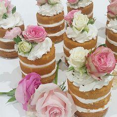 Naked mini cakes by @leyaracakes love them