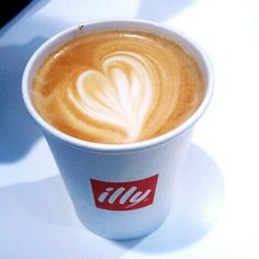 >Latte art london..