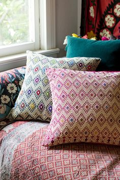 great globalist mix of pattern + color