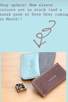 Traje de punto Start Writing, Dove Grey, Wordpress, Wallet, Shopping, Outfits, Dots, Pocket Wallet, Handmade Purses