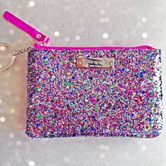 sparkle Kate Spade - I love. Party Like Gatsby, Girls Best Friend, Small Bags, Clutch Wallet, Glitter, Purses And Bags, Kate Spade, Cute Outfits, My Style