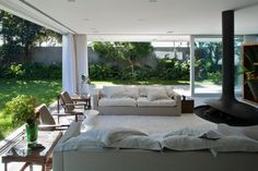 Sumar House by Isay Weinfeld