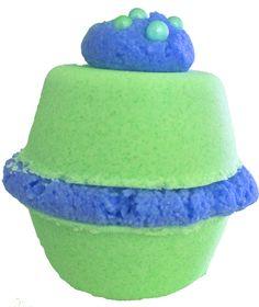 binnenkort verkrijgbaar!! Bath Macaron, een heerlijke verzorgend en fantastisch geurend bad product