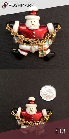 Vintage Santa 🎅🏻 Brooch In excellent condition Jewelry Brooches