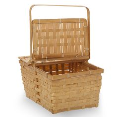 Rect Bamboo Weave Picnic Basket with Lid Med - Honey Lucky Clover Trading is a wholesale baskets distributor and importer of baskets wholesale through a wholesale gift basket suppplies company. Grilled Cheese With Tomato, Grilled Pesto Chicken, Pesto Grilled Cheeses, Picnic Themed Parties, Tequila Lime Chicken, Picnic Sandwiches, Picnic Essentials, Bamboo Weaving