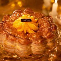 Daloyau  Sa pâte feuilletée aux reflets d'or  renferme une crème d'amande orange Grand-Marnier
