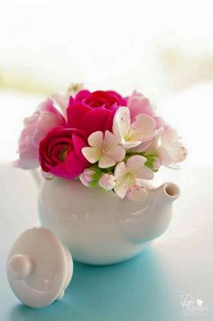 Beautiful kettle arrangements