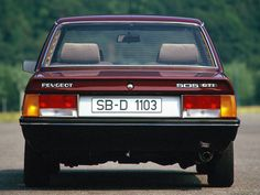 Peugeot 505 pictures - Free greatest gallery of Peugeot 505 pictures for your desktop. HD wallpaper for backgrounds Peugeot 505 car tuning Peugeot 505 and concept car Peugeot 505 wallpapers. 505 Peugeot, Psa Peugeot Citroen, Retro Cars, Vintage Cars, Peugeot France, Automobile, All Cars, My Ride, Concept Cars