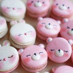 Rabbit & Bear macarons by Melly Eats World (M.) ( Rabbit & Bear macarons by Melly Eats World (M. Köstliche Desserts, Delicious Desserts, Dessert Recipes, Yummy Food, Macaron Fimo, Macaron Cookies, Kreative Desserts, Cute Baking, Kawaii Dessert