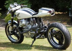 A most totally rad interpretation of an otherwise ugly Japanese creation - Nice exhaust CX500