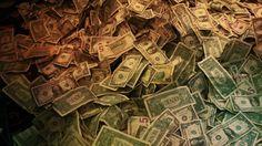Il Crowdfunding l'anno scorso si è affermata essere una vera industria, raggiungendo quasi i 16 miliardi di dollari raccolti. Un aumento del 167% rispetto al 2013. Quest'anno il settore prevede di generare fino a 35 miliardi di dollari, questo non è un fenomeno è un segnale forte di una nuova industria che è già nata. http://www.entrepreneur.com/article/244503