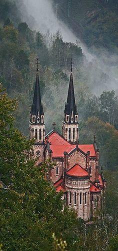 Basílica de Covadonga en Asturias.