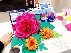 Making Large Dimensional Flowers | SCANNCUT
