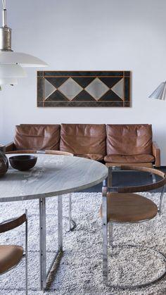 Woodboz  WoodBlack -  Koleksiyonundan Black Mamba II. Duvar dekorasyonu  için benzersiz bir ahşap ayna. Tamamen el işçiliği, doğal masif ahşaptan yapılmıştır. Mutfak, oturma odası, yemek odası ve ofisler için ideal bir duvar dekorasyon ürünüdür. Wood Mirror, Table, Furniture, Home Decor, Decoration Home, Room Decor, Tables, Home Furnishings, Home Interior Design
