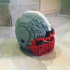 "19 mentions J'aime, 3 commentaires - Dwayne Comeau (@nanoarchitect.ca) sur Instagram: ""Football helmet number 6.  #football #sports #nano #nanoblock #toy #lego #legocity #legoland…"""
