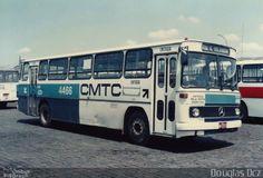 Ônibus da empresa CMTC - Companhia Municipal de Transportes Coletivos, carro 4466, carroceria Mercedes-Benz Monobloco O-364, chassi Mercedes-Benz O-364. Foto na cidade de São Paulo-SP por Douglas Dcz, publicada em 15/11/2014 16:02:33.