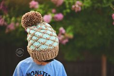The Regan Beanie is knitted from the bottom up. This quick knit combines slip stitches with 2 colors to create a unique & beautiful beanie. Circular Knitting Needles, Arm Knitting, Christmas Knitting Patterns, Knit Patterns, Super Bulky Yarn, Universal Yarn, Quick Knits, Cascade Yarn, Beanie Pattern