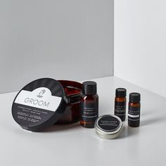 Contents of beard oil original fragrance of beard oil tobacco fragrance of beard wash of beard balm Beard Wash, Beard Model, Shaving Set, Hair Wax, Beard Styles For Men, Beard Trimming, Travel Toiletries, Travel Kits, Men's Grooming