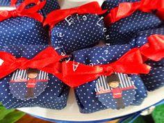 Bolachinhas decoradas para festa Soldadinho de Chumbo    Potinho de brigadeiro de colher com decoração em biscuit- Soldadinho       Cup...