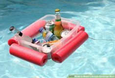 Make This Floating Pool Noodle Beverage Boat in 15 Minutes ~ Have a plastic tub and a pool noodle? Your day at the beach/pool/lake just got a whole lot better with this floating pool noodle beverage boat. Piscina Diy, Pool Noodle Crafts, Mousse, Pool Storage, Drink Cart, Make A Boat, Diy Pool, Pool Fun, Beach Pool