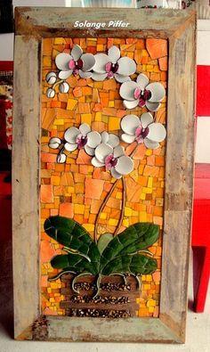 Quadros feitos com xícaras e louças quebradas, mosaico picassiette Mosaic Pots, Mosaic Glass, Mosaic Tiles, Glass Art, Mosaics, Tiling, Fused Glass, Stained Glass, Mosaic Artwork