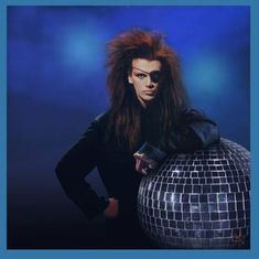 pete burns you spin me right round 2003 concert Peter Burns, Dead Or Alive Band, Spin Me Right Round, New Wave Music, Stranger Things Steve, The Wedding Singer, Post Punk, Freddie Mercury, Music Artists