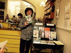 """Anna Rita Foschini con il suo libro """"Non sono Bukowski"""".  https://www.facebook.com/anna.foschini"""