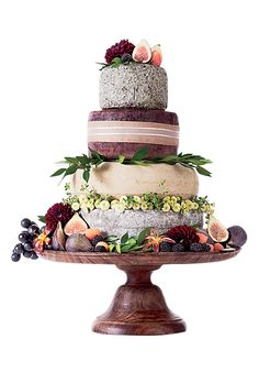 Vineyard Wedding Idea: Cheese Wheel Wedding Cake