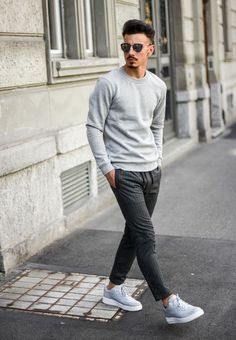 27 ideas for style street casual men guys Grey Chinos Men, Chinos Men Outfit, Outfit Jeans, Sweatshirt Outfit, Street Casual Men, Men Casual, Smart Casual Man, Summer Fashion Outfits, Casual Winter Outfits