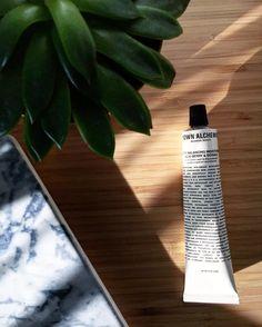 Beatriz Caballero в Instagram: «Deseando probar mis compras de @hunkydorylab, visita obligada en #Donosti. Como esta crema de bayas acai que hidrata y matifica de @grownalchemist. Y pensando en retomar los posts #beauty en mi blog...  #grownalchemist #skincare #beautyaddict #new #face #lovethepackaging»