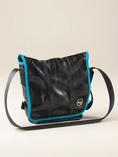 Women's Haversack Messenger Bag - <p> In its previous life, the Haversack was a bicycle inner tube and car seat belt. Now, it's an urban, upcycled messenger bag that's ultra-