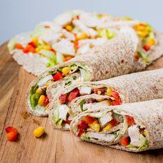 Wraps med kylling og salat | Eat Move Sleep Fresh Rolls, Mad, Food And Drink, Wraps, Sleep, Lunch Ideas, Ethnic Recipes, Foods, Food Food